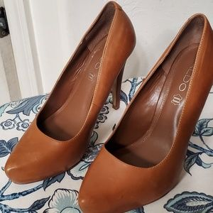 Cognac color Aldo heels